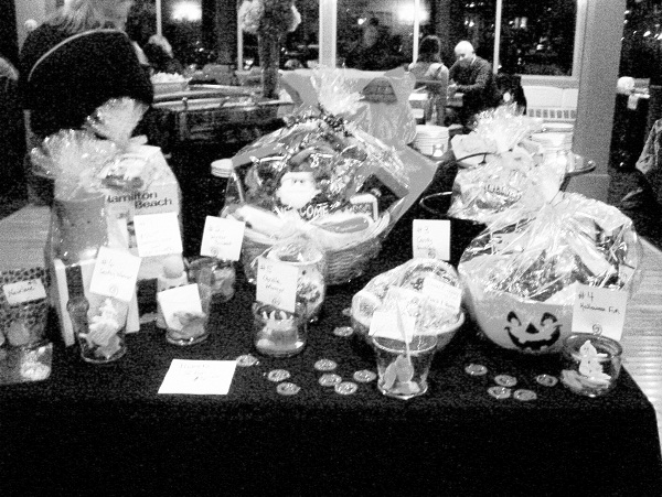 lfb_psychic_night_oct_2012_gift_baskets.jpg