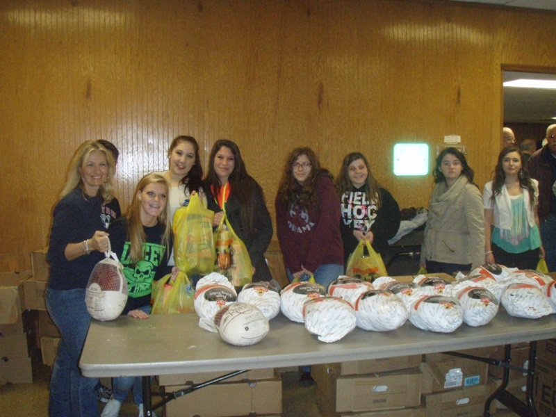 lfb_thanksgiving_12_bags_turkeys.jpg